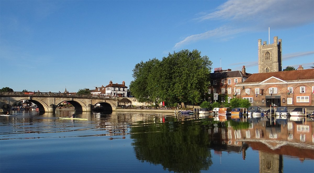 boating in henley